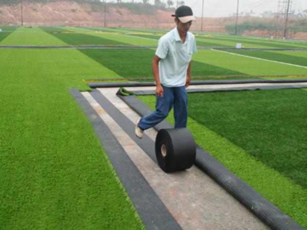 Pasto artificial para canchas de futbol pasto sint tico for Tipos de cesped natural para jardin